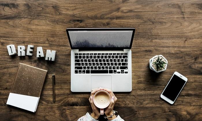 Kancelářský stůl a jeho využití